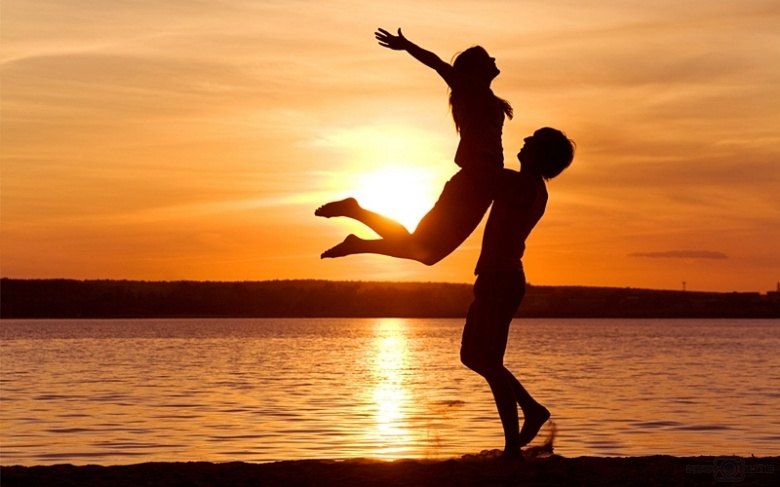 love-man-woman-silhouette-sun-sunset-sea-lake-beach-1.jpg